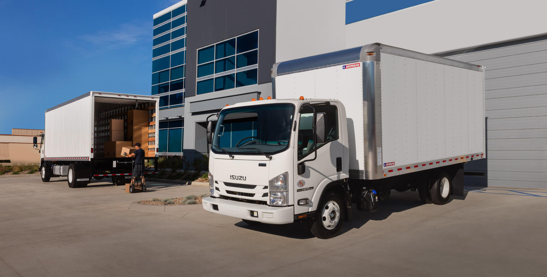 dry freight gold star delivering to a corporate location